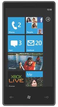 Capture de l'écran d'accueil de Windows Phone 7 présentant plusieurs tuiles applicatives