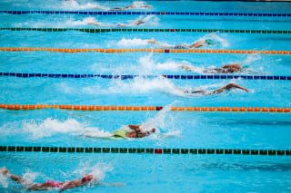 A swimming race