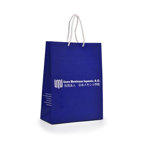 Bolsa colo azul impresa con acabado de barniz UV a registro LMJ.