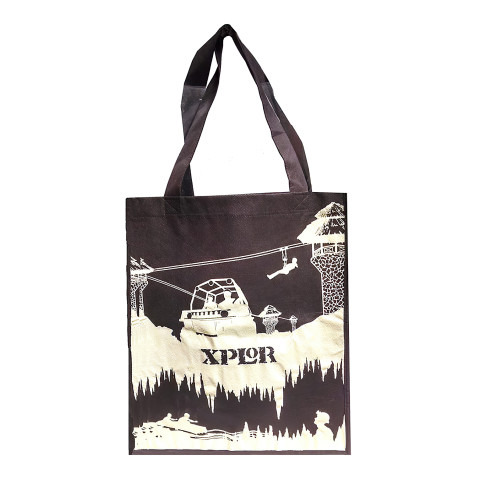 Bolsa Non-Woven personalizada en color café con la marca Xplor.
