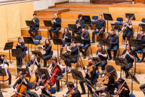 "OPENING NIGHT CELEBRATION / ""Saint-Saëns - Gustav Mahler"""