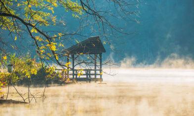 Lake Issaqueena morning fog