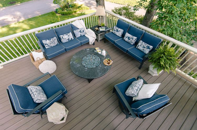 Outdoor composite grey/brown deck with cream railings