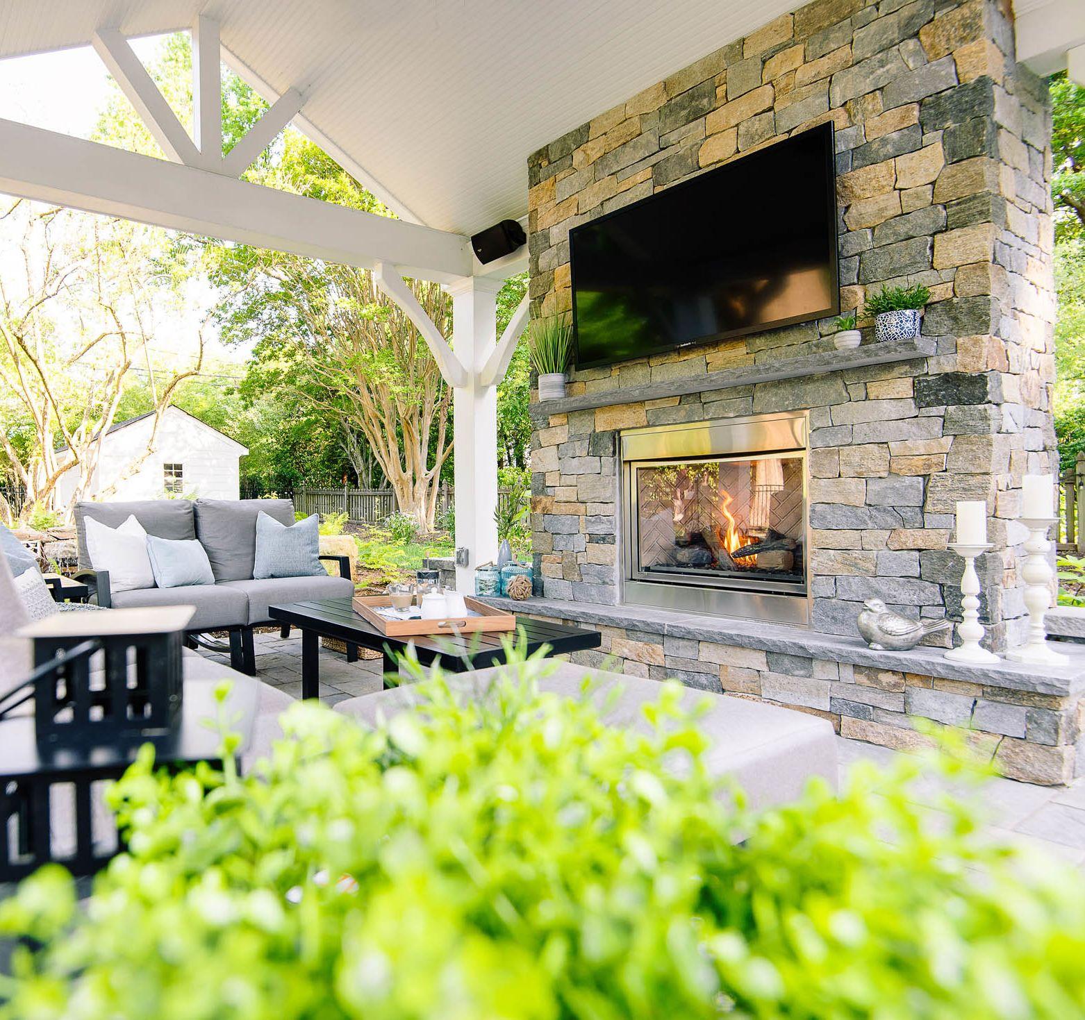 Relaxing Windsor Farms Retreat