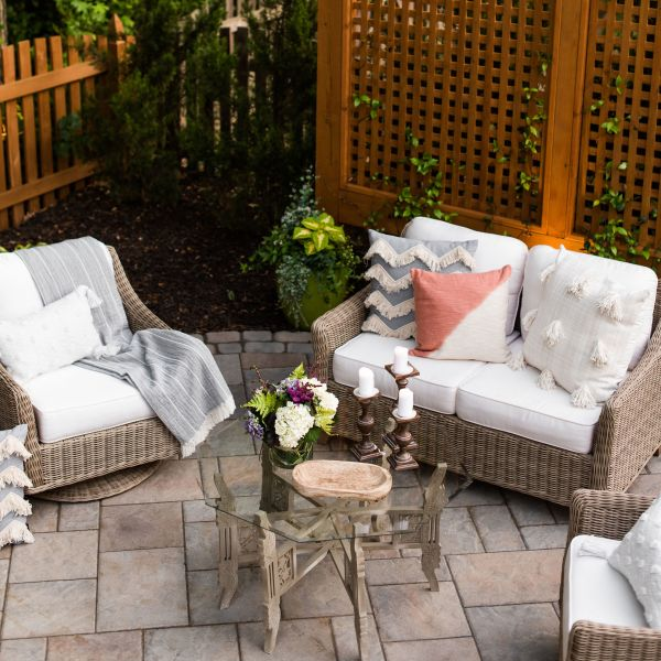 Paver patio with wood trellis privacy screen