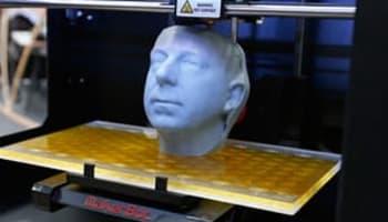 A-3D-printer-MakerBot-Rep-008