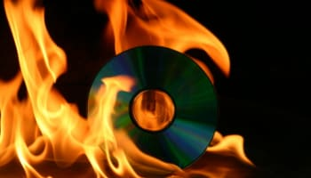 cd-compact-disc-burning-on-fire-o