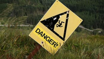 danger-cliff-sign-o