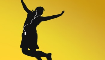 jumping-with-ipod-music-player-o-640×445
