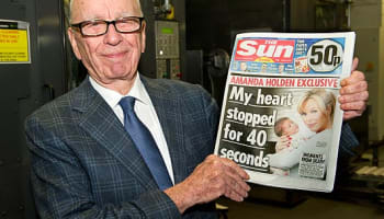 rupert-murdoch-with-the-sun-on-sunday-o