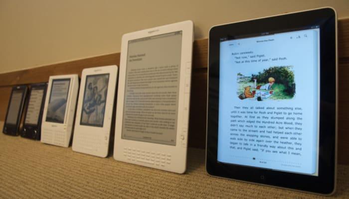 evolution-of-e-readers-sony-kindles-ipad2-o-640×425