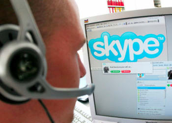 skype-user-with-headset-o