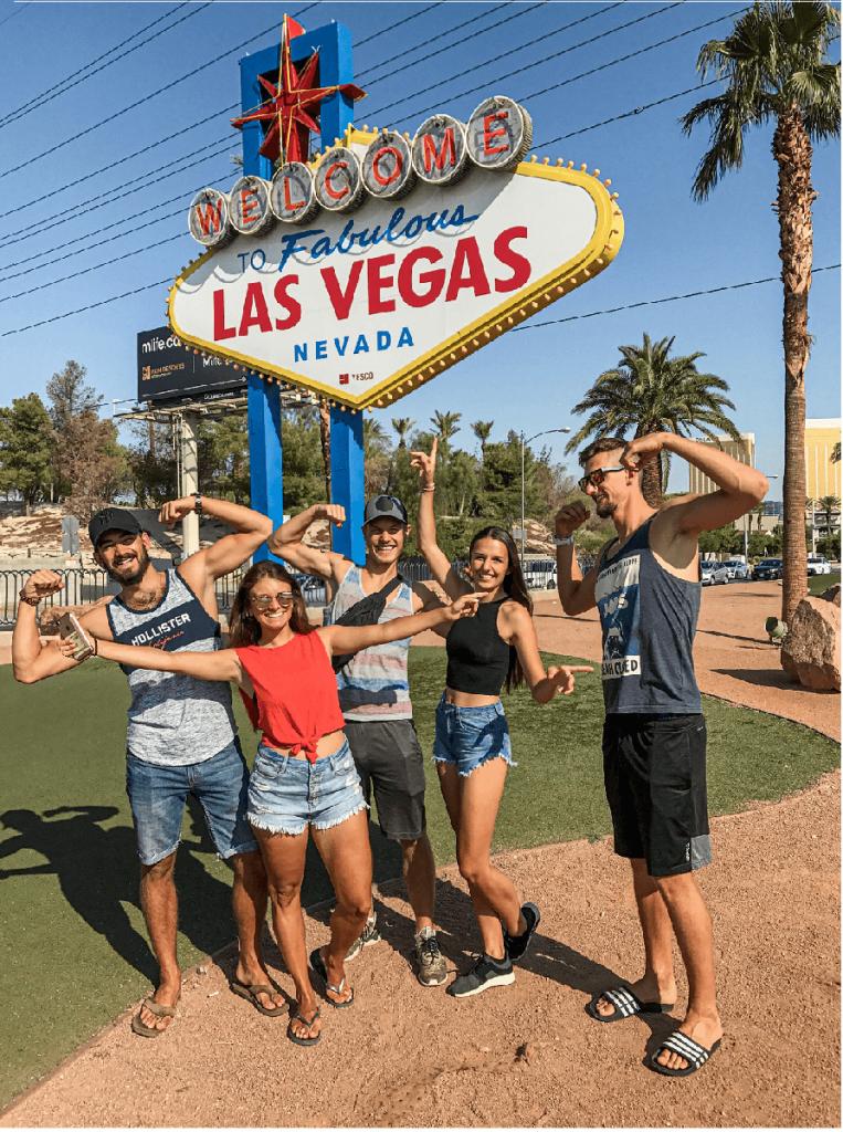 Skupina Čechů zahájila svůj road trip ve slavném Las Vegas.