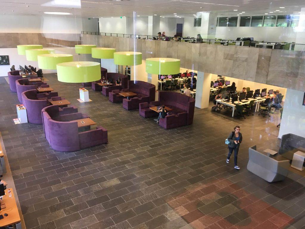 Radboud knihovna v Holandsku.