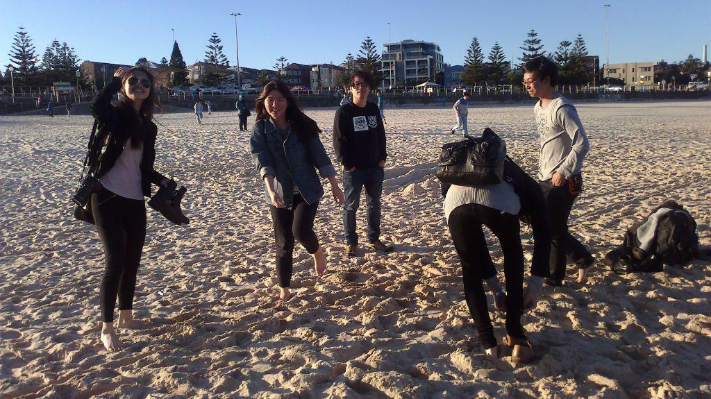 Základem všeho je trávení času na pláži s kamarády