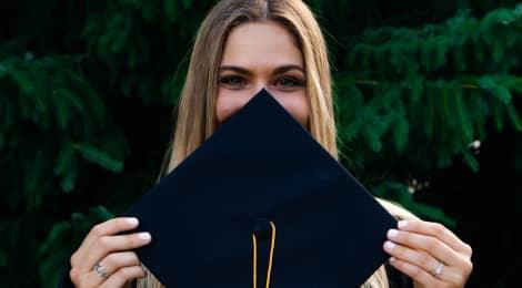 Studium v Anglii za stávajících podmínek financování je pro letošní maturanty přeci jen dostupné