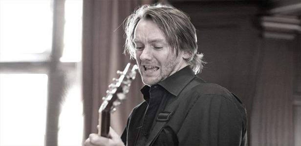 About Hugh Turner Jazz Guitarist Solo Performance