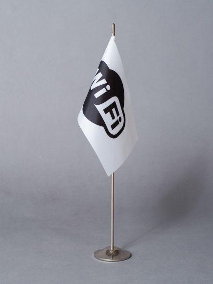 Stalo vėliavėlė su logotipu