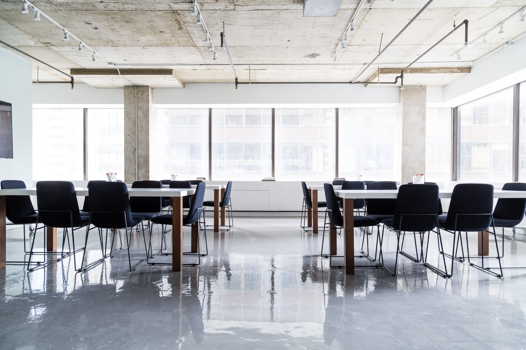 Workspace fully furnished and equipped located at 2075 Boulevard Robert Bourassa, Montreal.