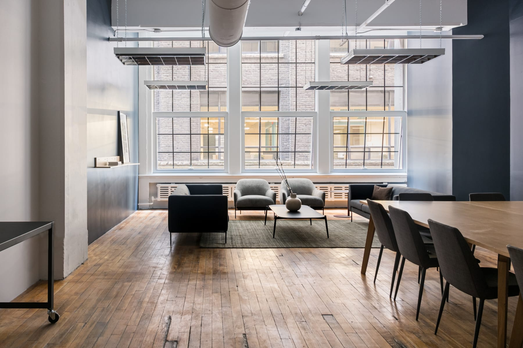 Workspace fully furnished and equipped located at 96 Spadina Ave., Toronto.