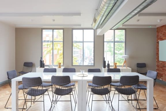 Office space fully furnished and equipped located at 1 Charlotte Street, Fitzrovia, Fitzrovia.
