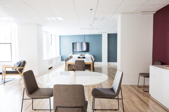 Workspace fully furnished and equipped located at 11 Beacon Street, #1110, Boston.