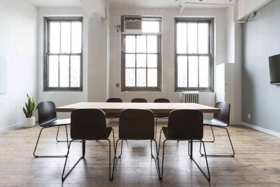 Workspace fully furnished and equipped located at 1239 Broadway, #819, New York City.