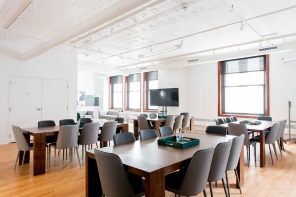 Office space fully furnished and equipped located at 125 S. Clark, #675-1, The Loop.