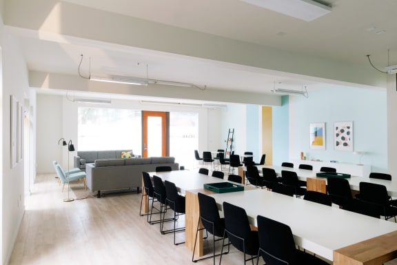 Office space fully furnished and equipped located at 1454 25th St., #A, Santa Monica.