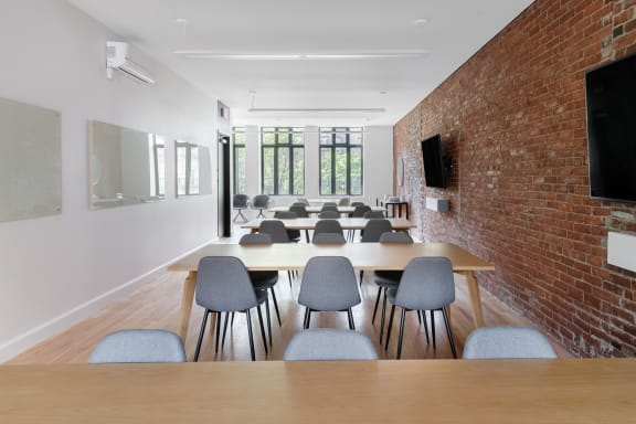Office space fully furnished and equipped located at 171 Newbury Street, Back Bay.