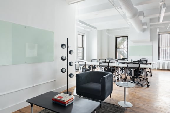 Workspace fully furnished and equipped located at 215 Park Avenue South, #1912, New York City.