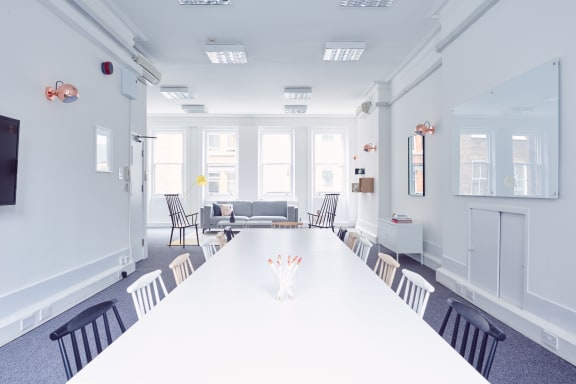 Office space fully furnished and equipped located at 25 Newman Street, Fitzrovia, Fitzrovia.