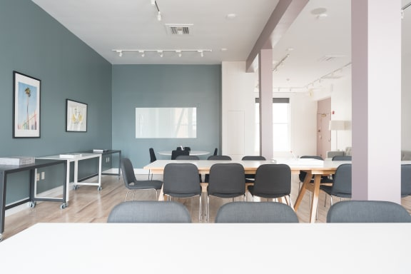 Workspace fully furnished and equipped located at 251 Post St., #620, SF Bay Area.
