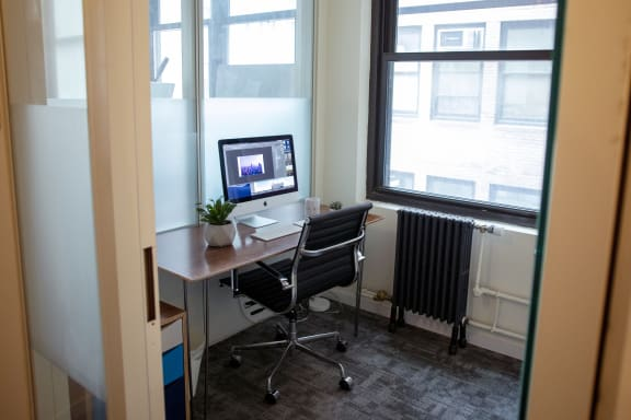 Workspace fully furnished and equipped located at 26 Broadway, #1 Person Office, New York City.