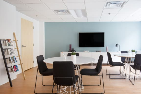 Workspace fully furnished and equipped located at 262 Washington Street, #801, Boston.