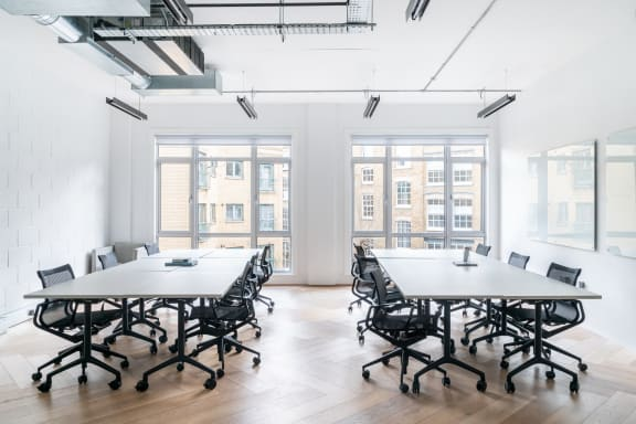 Workspace fully furnished and equipped located at 27 Provost Street, Shoreditch, #1, London.