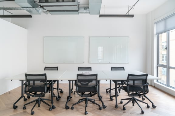 Workspace fully furnished and equipped located at 27 Provost Street, Shoreditch, #2, London.