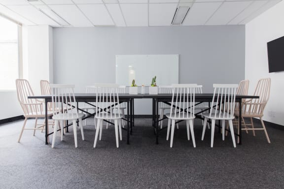 Workspace fully furnished and equipped located at 330 Bay St., #830-1, Toronto.