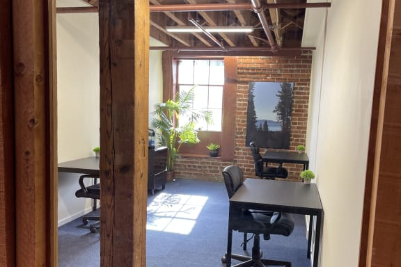 Workspace fully furnished and equipped located at 350 Townsend Street, #315, San Francisco.