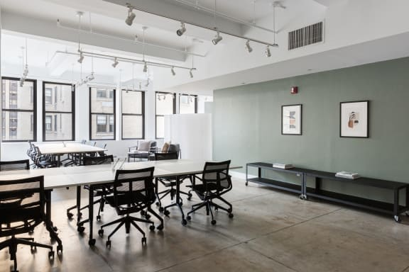 Workspace fully furnished and equipped located at 37 West 57th, #1101, New York City.