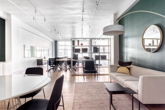Workspace fully furnished and equipped located at 372 Rue Ste-Catherine O., #212, Montreal.
