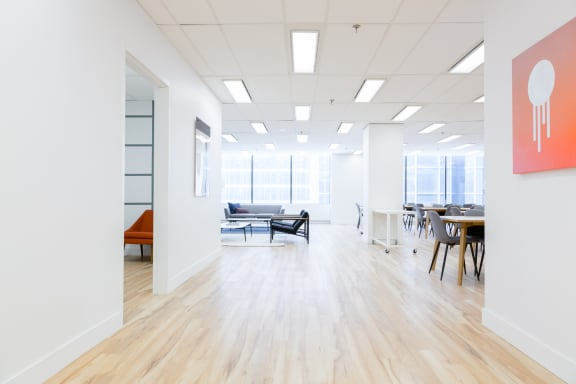 Office space fully furnished and equipped located at 40 University Ave., #903, Old Toronto.