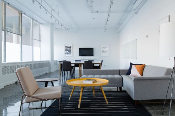 Workspace fully furnished and equipped located at 505 Boulevard René-LevesqueO., #201, Montreal.