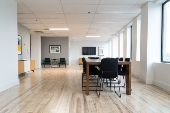 Office space fully furnished and equipped located at 555 Boulevard René-Levesque O., #1230, Downtown.