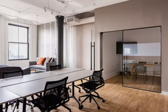 Workspace fully furnished and equipped located at 594 Broadway, #1106, New York City.