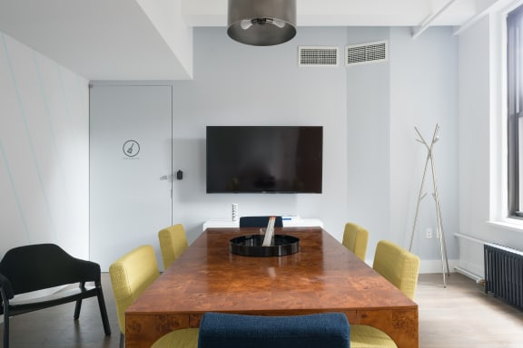 Office space fully furnished and equipped located at 915 Broadway, #803-1, Flatiron/Union Square.
