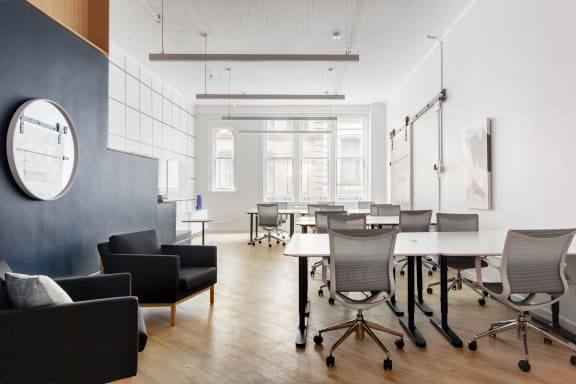 Office space fully furnished and equipped located at 95 Grand Street, Soho.