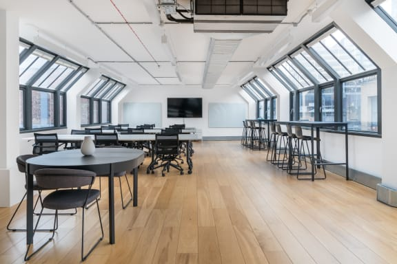 Workspace fully furnished and equipped located at 100 Clifton Street, Shoreditch, #3, London.