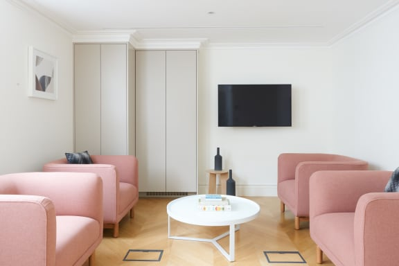 Office space fully furnished and equipped located at 25 Dover Street, Mayfair, #2, Mayfair.