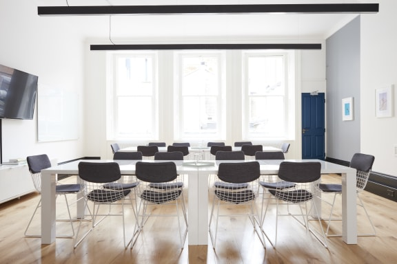 Workspace fully furnished and equipped located at 34 King Street, Covent Garden, London.